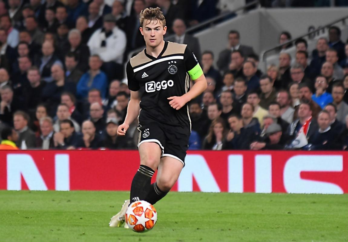 Chelsea targetting defender De Ligt from Juventus